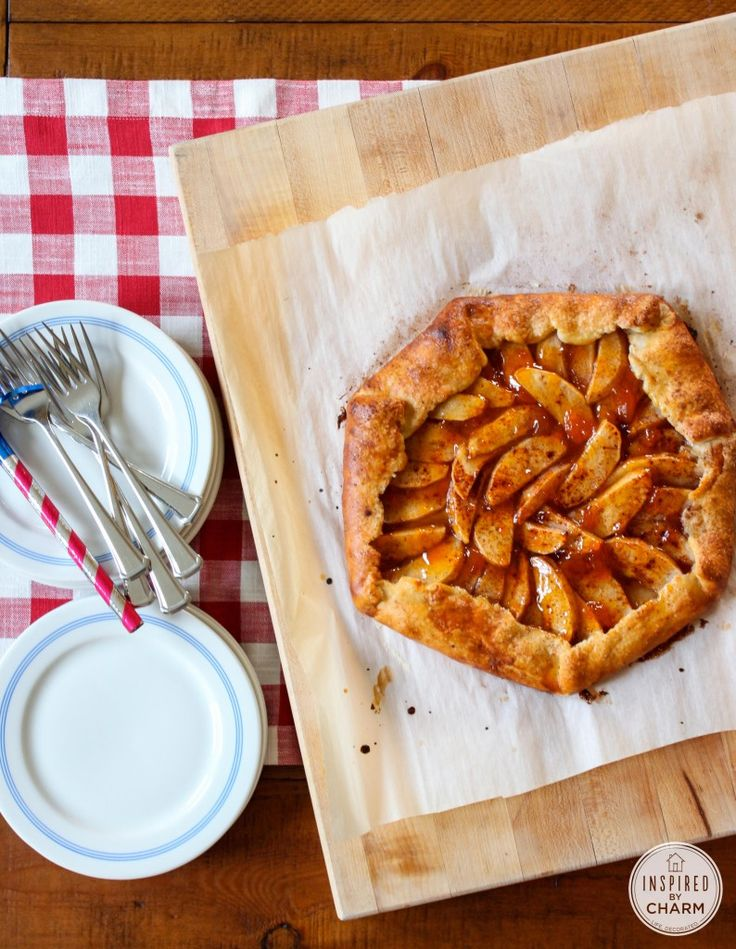 All-American Apple Crostata with Cheddar Crust | Inspired by Charm