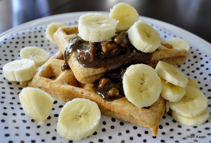 Maple nut and banana topped waffles | Cooking | Pinterest