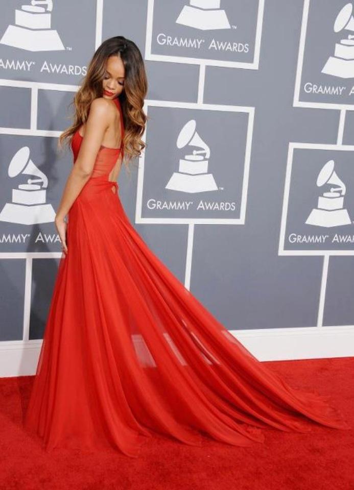 pin rihanna dresses on - photo #13