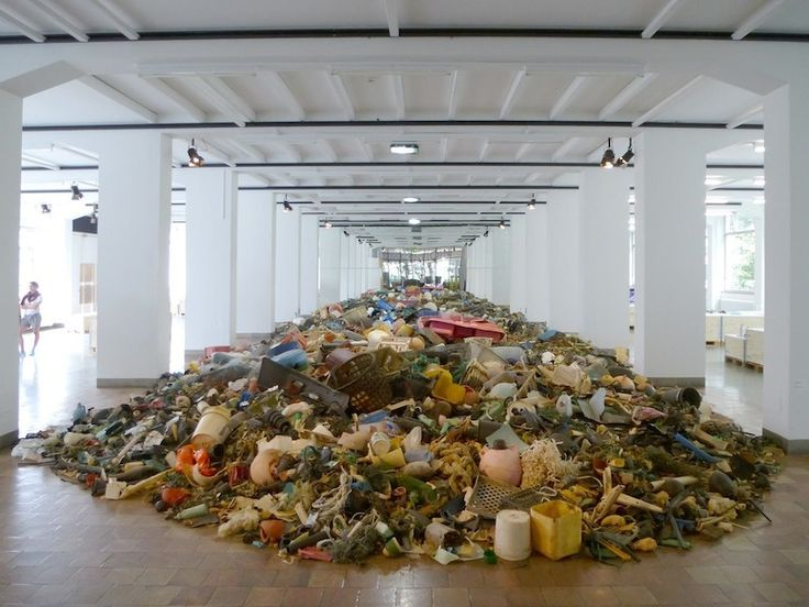 the amount of garbage ending up in our oceans ... EVERY FIFTEEN SECONDS.