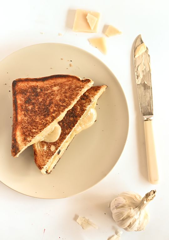 Roasted Garlic & Gruyère Cheese Toasties (Grilled Cheese Sandwiches)