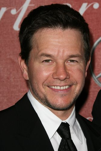 Ellen  Mark Wahlberg Broken City  amp  Josh Hopkins Cougar Town ReviewEllen Kim Johns Hopkins