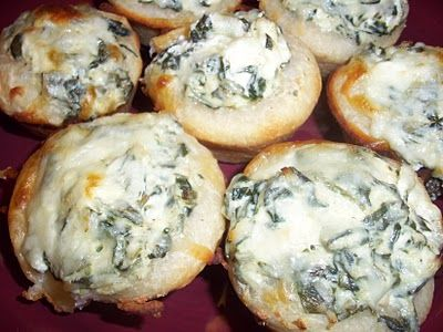 Baked Spinach dip Mini Bread Bowls | appetizers | Pinterest