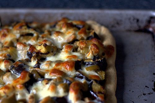 Grilled Eggplant and Olive Pizza | recipes | Pinterest