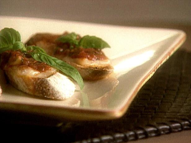 Tomato, Mozzarella and Basil Bruschetta | Recipe