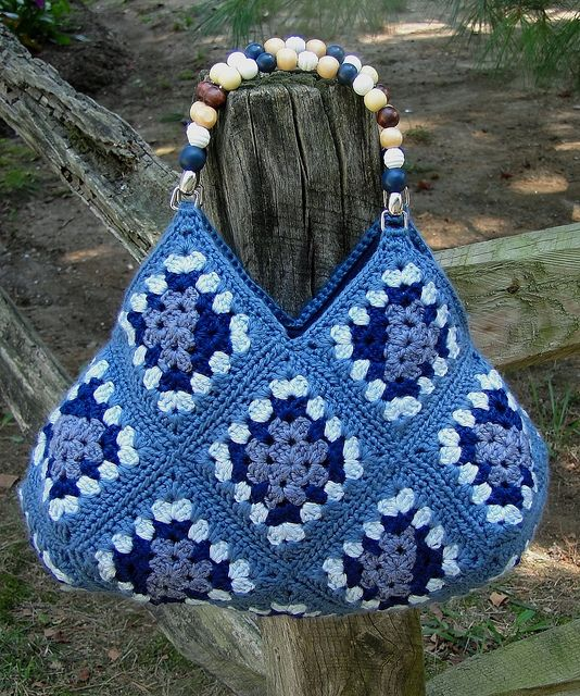 granny crochet bag - Google Search Bags, totes, purses Pinterest