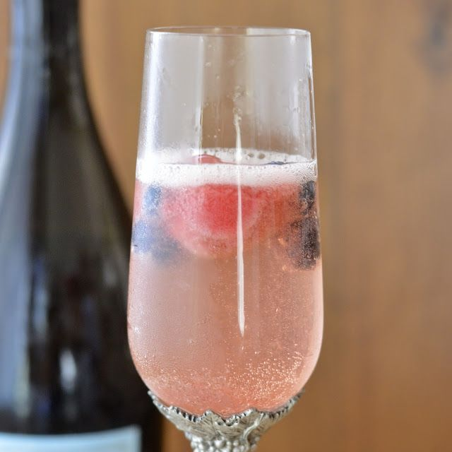 ... Homemade: Mixed Berry Champagne Cocktail | Drinks | Pinterest