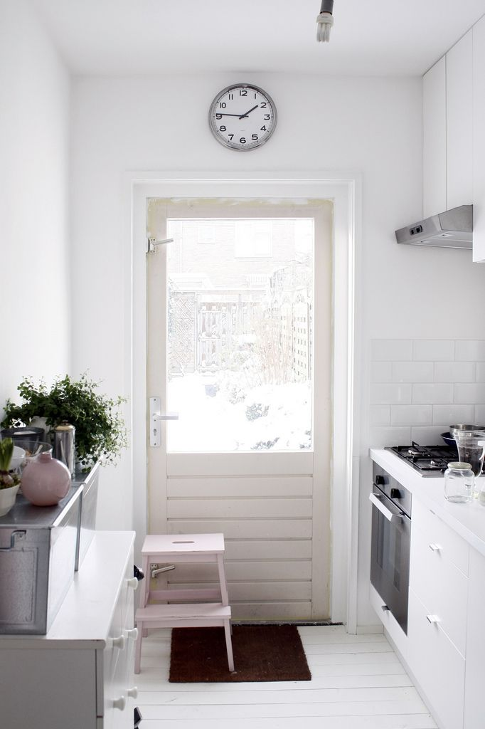 kitchen door - home of Isis Sturtewagen