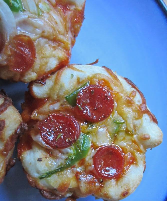 Mini Deep Dish Pizzas | Pizza | Pinterest