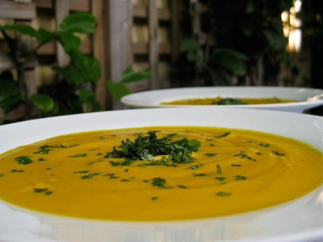 Spicy Vegan Carrot Soup - Want a carrot soup with a bit of a kick ...