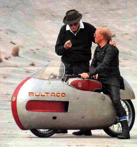 Don Paco Bulto with Ricardo Quintanilla. Bultaco Cazarécords.