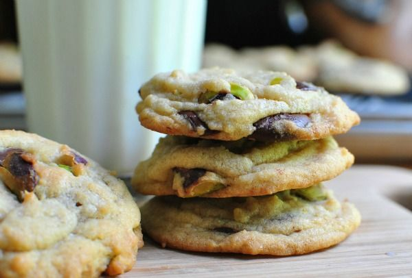 Dark Chocolate Chip and Pistachio Cookies (I'd probably use milk ...