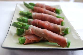 Asparagus wrapped in Parma Ham | Recipes | Pinterest