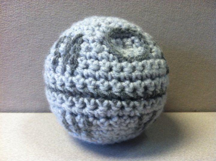Death Star Amigurumi Pattern : Death Star crochet pattern, free Yarn & Thread ...