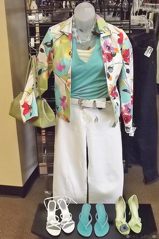 Clothes mentor resale store