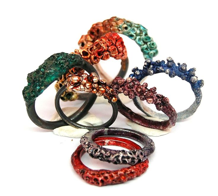 Linda Ezerman - Algae rings - blackened and  coloured silver