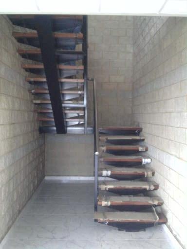 Doble escalera con descanso iv trabajos pinterest for Escalera de cemento con descanso