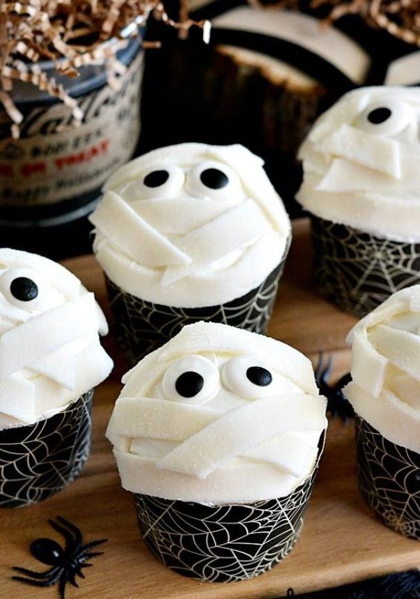 Low-Fat Chocolate Mummy Cupcakes Recipe — Dishmaps