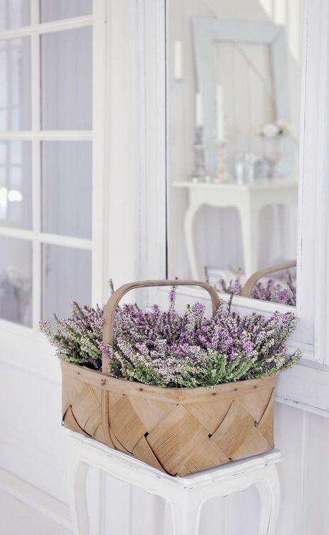 source:kocham wies.pl  ~ simple and pretty summer floral arrangement