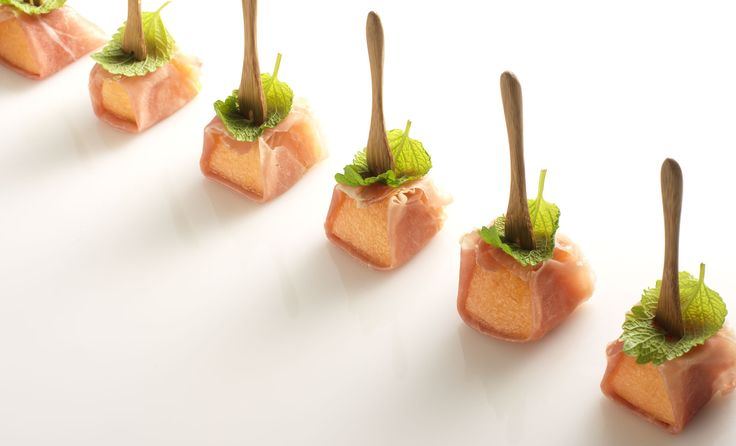 Honeydew melon in Parma ham with mint | Finger foods | Pinterest