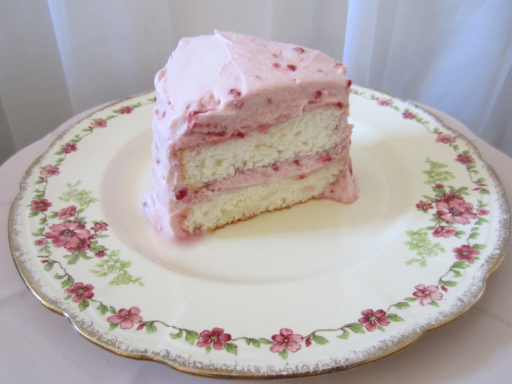 Angel food cake & strawberry cream | favorite recipes | Pinterest