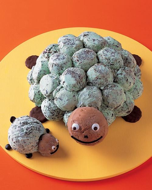 Sea turtle ice cream cake (with recipe/tutorial)