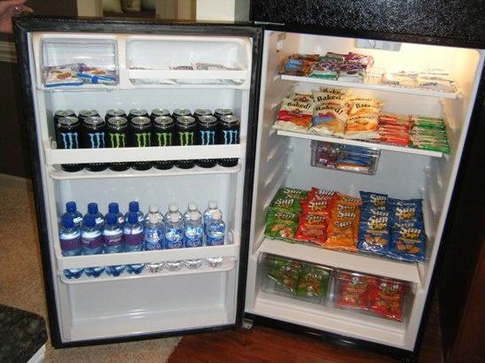Wow fridge multifamily ideas pinterest for Apartment mini model