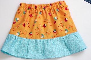 Two Little Banshees: Easy Skirt Tutorial