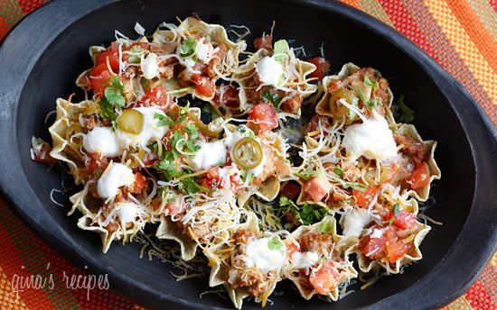 Skinny Loaded Nachos with Turkey, Beans and Cheese | Skinnytaste