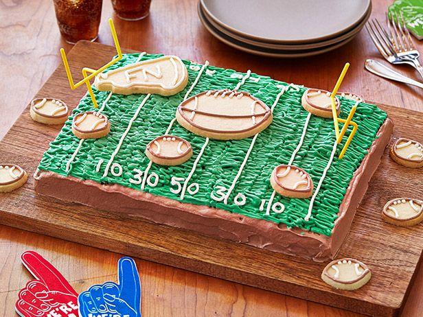 Game-Day Chocolate Cake #BigGame