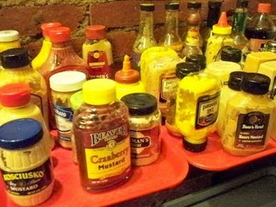 Mustard bar for pretzels