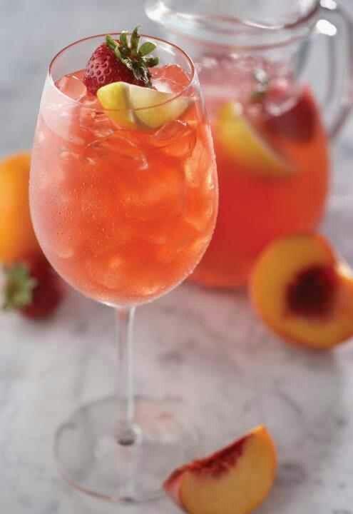 Peach Sangria | Delightful Drinks | Pinterest