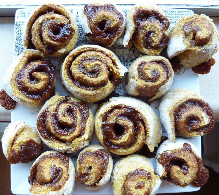 ... CINNAMON ROLLS EVER!!! no yeast whole grain pumpkin cinnamon rolls