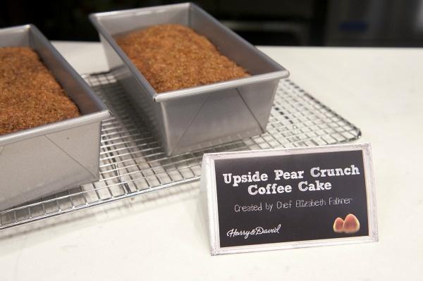 Upside Pear Crunch Coffee Cake | Desserts | Pinterest