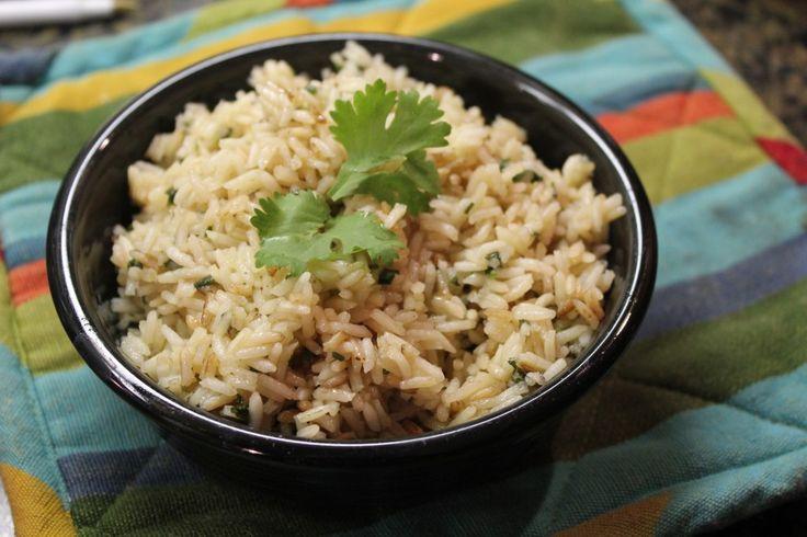 Copycat recipe for Chipotle Cilantro Lime Rice #recipe #copycat