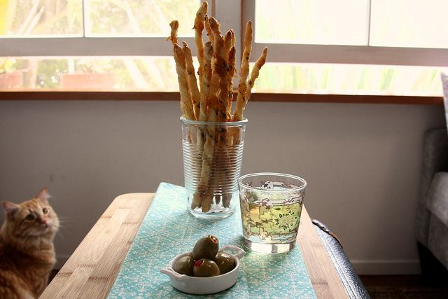 Yum....these cheese straws sound good...and easy...perhaps for hose ...
