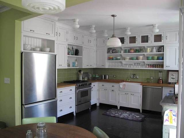 Cabinet legs kitchen pinterest for Kitchen cabinets with legs