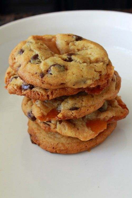 Salted Caramel Chocolate Chip Cookies | Desserts | Pinterest