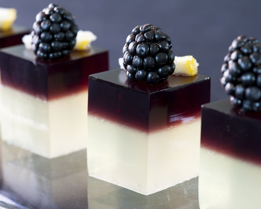 Bramble cocktail shots with blackberries #classy #wedding #alcohol # ...