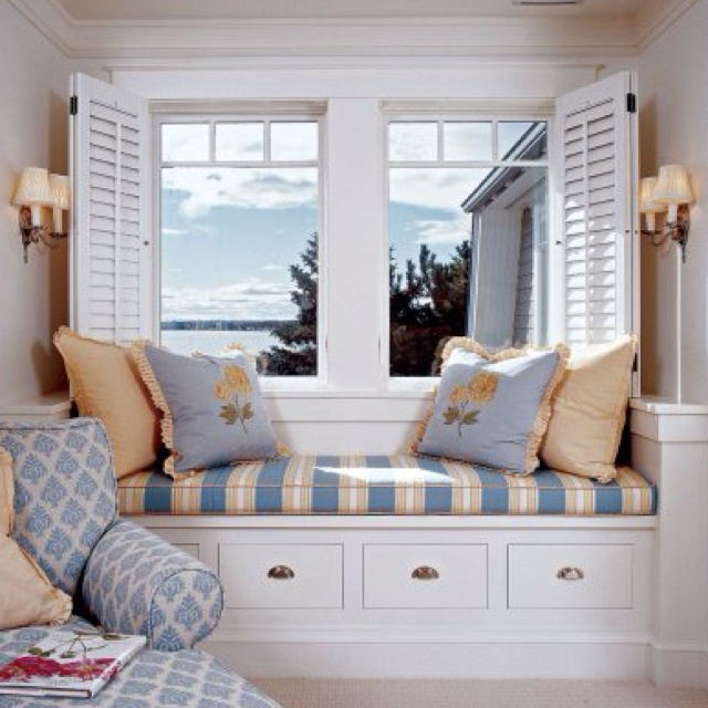 bed and window