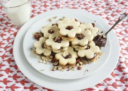 chocolate hazelnut cookie sandwich | cookies | Pinterest