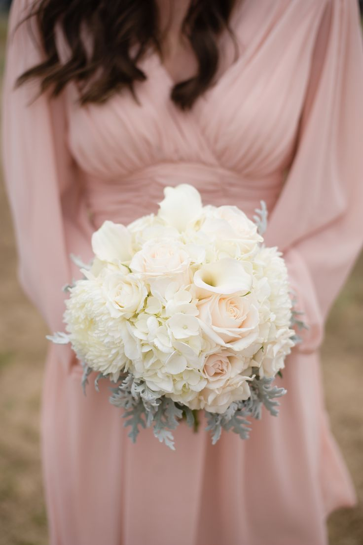 Fluffy white #bouquet | Photography: Brandon Gresham- Simple Color - simple-color.com  Read More: http://www.stylemepretty.com/2014/05/21/modern-stone-bridge-farm-wedding/