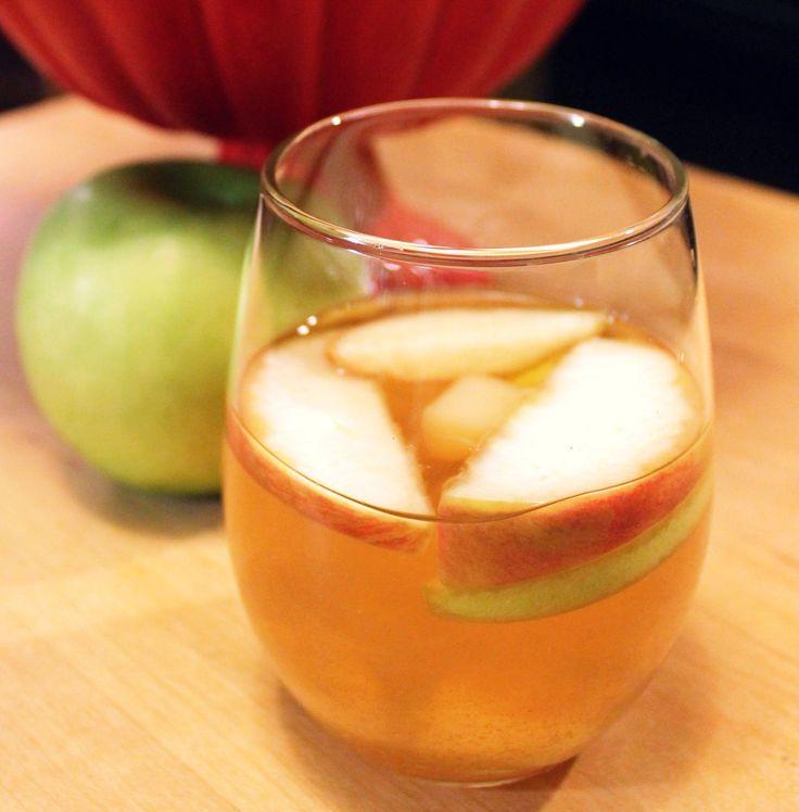 ... this last shop weekend- DELICIOUS, people. Apple Cider Sangria Recipe