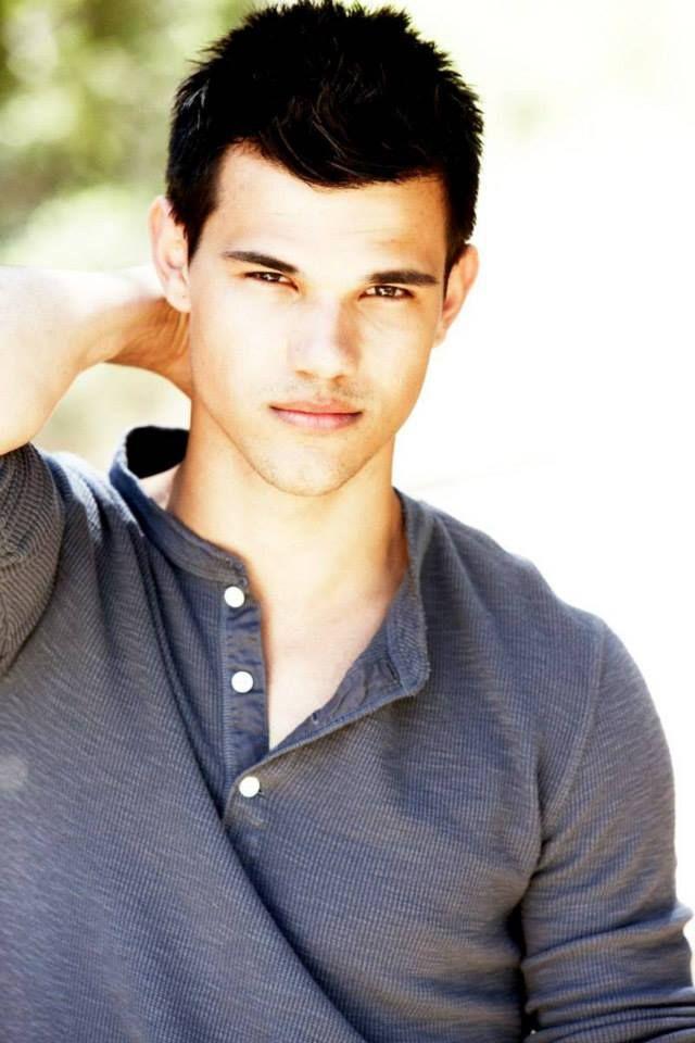 Taylor Daniel Lautner ... Taylor Lautner
