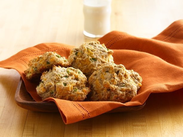 Cheese 'n Onion Drop Biscuits -- pinned using BrowserBliss