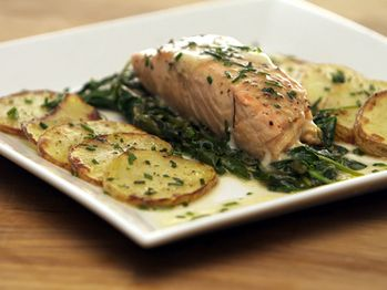 Pan Seared Salmon with Truffle Butter Sauce, Spinach and Yukon Gold ...