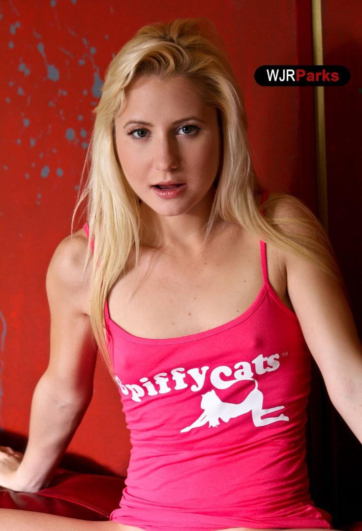 Spiffycats Magazine | Photography | Pinterest: pinterest.com/pin/454933999828760340