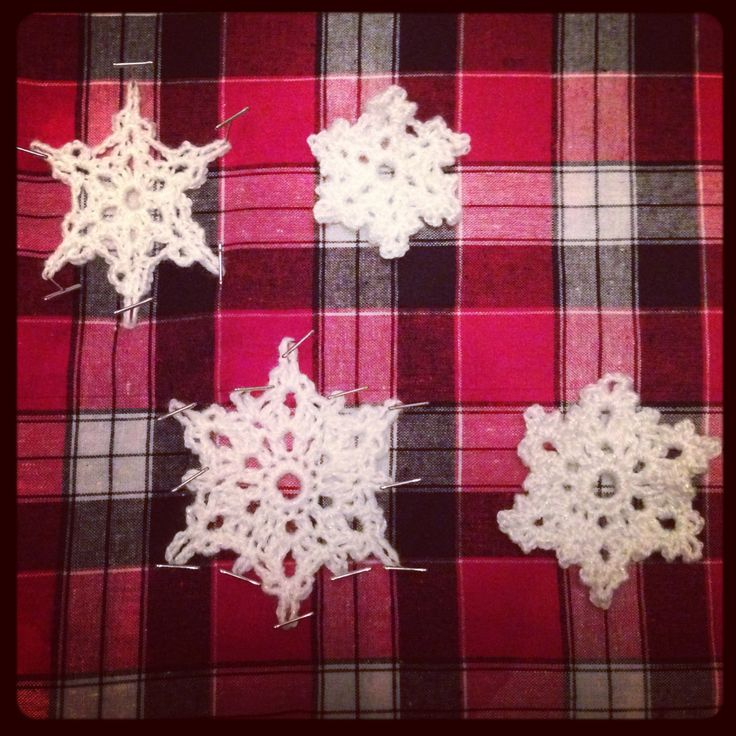 2013 crochet snowflakes blocking on the left unblocked on the right