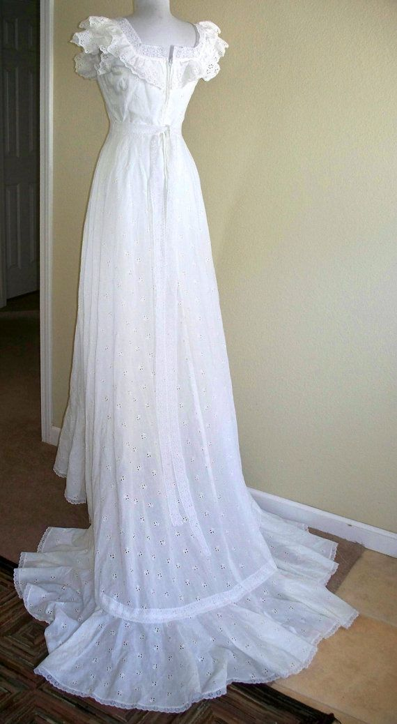 Vintage wedding dress white eyelet gown with train for White cotton eyelet wedding dress