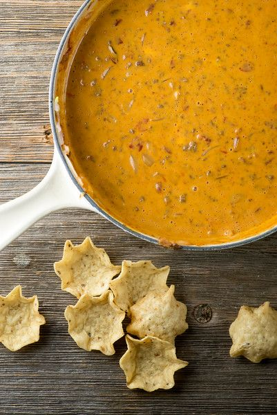There's nothing like a a skillet full of spicy warm chili cheese dip ...